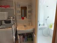 洗濯機と洗面所です。